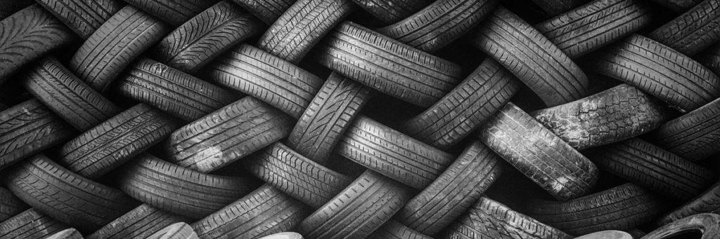 リトルカブ タイヤ交換の費用