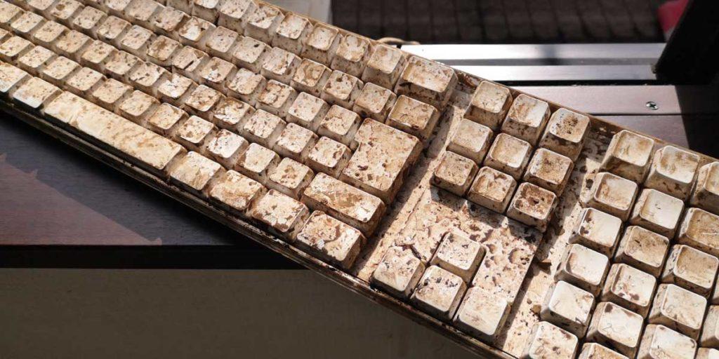 Apple キーボード 汚れ